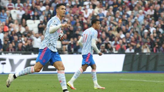 """""""Calma, eu estou aqui"""": West Ham ainda esteve em vantagem na primeira parte mas Ronaldo empatou antes do intervalo"""