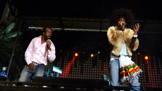 Wyclef Jean e Lauryn Hill, membros dos Fugees, cujo outro integrante é Pras Michel