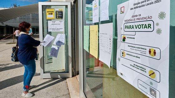 Portugal foi chamado este domingo às urnas para as eleições autárquicas