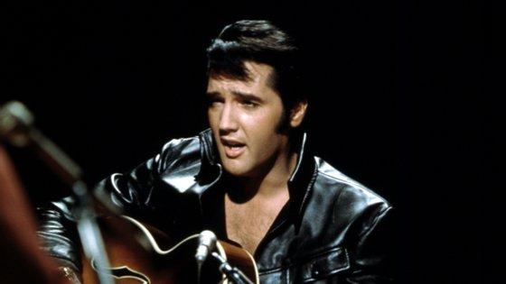 O cantor Elvis Presley morreu a 16 de agosto de 1977, há 44 anos