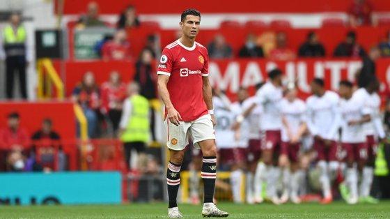 Ronaldo teve o jogo mais discreto desde que chegou a Old Trafford e Manchester United sofreu a terceira derrota nos últimos quatro jogos