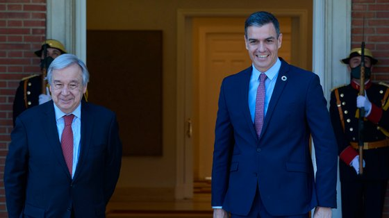 António Guterres e Pedro Sánchez estiveram reunidos esta sexta-feira no Palácio da Moncloa, em Madrid
