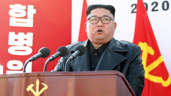 A 9 de junho do ano passado, Pyongyang suspendeu as comunicações telefónicas com o Sul