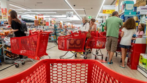 Portugal records negative inflation for second consecutive month