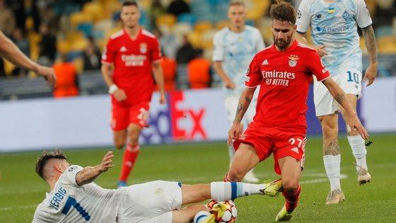 O internacional português saiu lesionado já nos últimos minutos