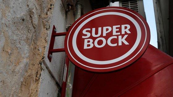 """A Super Bock Bebidas """"continua a refutar liminarmente a acusação"""" do Sintab e diz repudiar """"veemente as alegações proferidas"""""""