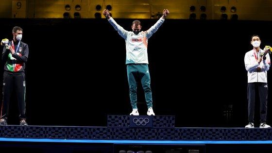 O húngaro Aron Szilagyi conseguiu tornar-se o primeiro atleta masculino a alcançar três títulos olímpicos de esgrima consecutivos