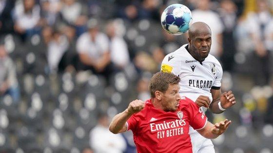 O central belga assistiu Yaremchuk para o primeiro golo do jogo