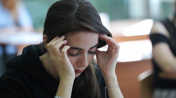 As provas académicas são um dos momentos que desencadeia respostas de stress nos jovens