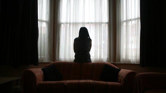 """""""As crianças e os jovens que vivem em contexto de violência são sempre vítimas diretas de violência doméstica"""""""