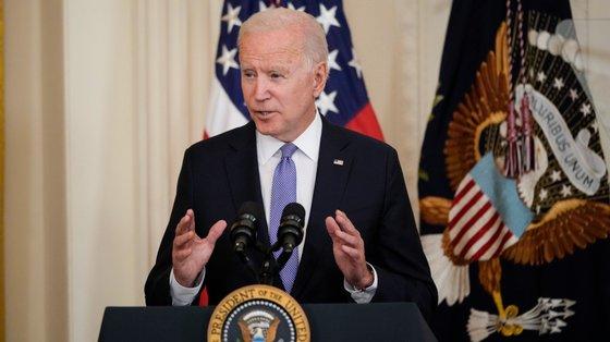 Joe Biden quer combater o ceticismo relativamente à vacina contra o coronavírus