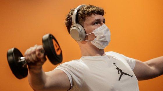 O uso de máscara não é incompatível com a prática de exercício físico