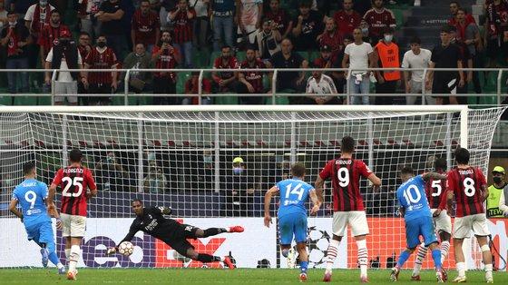 Suárez deu a volta ao jogo a favor do Atlético de grande penalidade