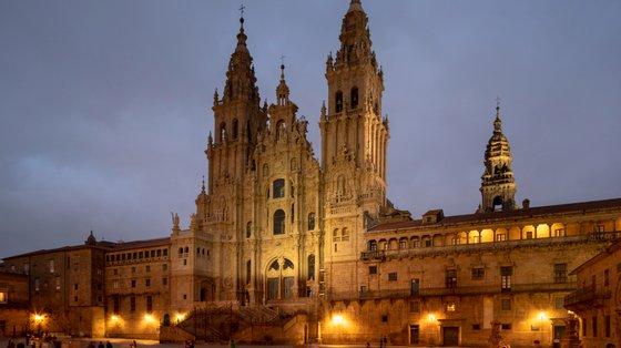 Em 2019, antes da pandemia de Covid-19, a peregrinação rumo à catedral de Santiago de Compostela, na Galiza, para venerar as relíquias do santo, a pé, a cavalo ou em excursões, atingiu um recorde, com 350 mil peregrinos