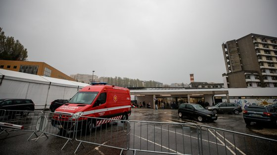 O corpo foi transportado para a morgue do hospital de Guimarães
