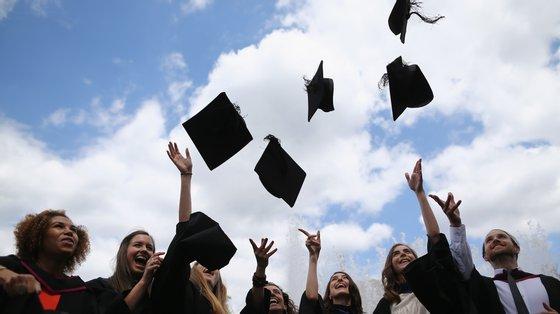 """No ano passado, registou-se um número recorde de candidaturas, com 62.675 estudantes a candidatarem-se à 1.ª fase do Concurso Nacional de Acesso, o maior número """"nos últimos 25 anos"""
