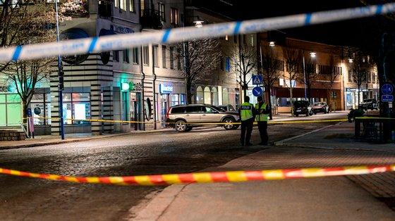 Esta terça-feira foram isoladas pelo menos duas áreas -- o centro comercial de Gamlegården e o Hospital Central de Kristianstad