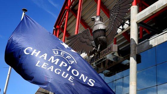 Benfica procura chegar à fase de grupos da Liga dos Campeões, mas antes disso ainda tem duas eliminatórias pela frente