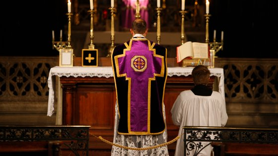 A missa antiga tem sido uma marca distintiva de vários grupos conservadores críticos do Papa progressista