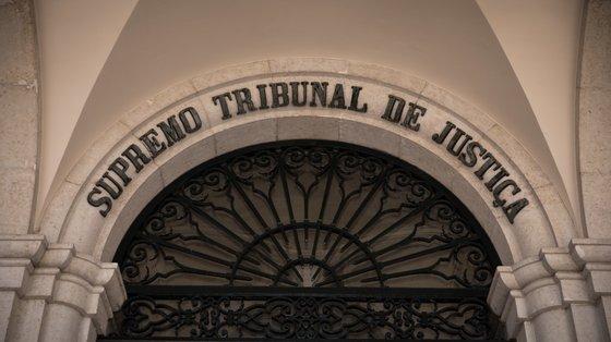 Franklim Lobo negou sempre a prática dos factos e arguiu várias nulidades relacionadas com a fase de inquérito e de instrução, nomeadamente escutas telefónicas