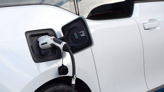 De acordo com os dados da Comissão, o transporte rodoviário é atualmente responsável por 20,4% das emissões de CO2