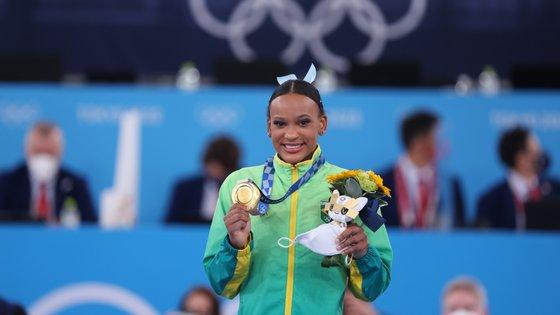 Rebeca Andrade é a primeira atleta brasileira a vencer duas medalhas olímpicas numa mesma edição dos Jogos