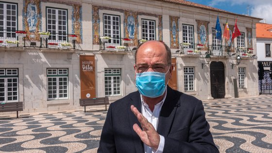 De acordo com a coligação Viva Cascais, o PSD e CDS-PP passam a ter sete vereadores