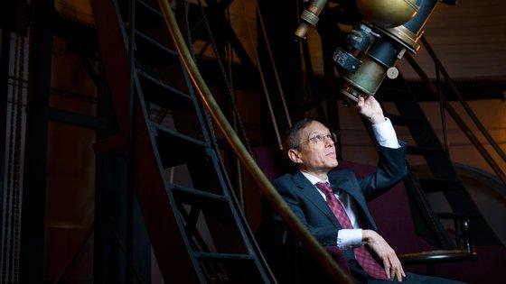 O professor Avi Loeb acredita ter visto uma nave extra-terrestre