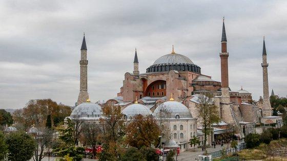 Se o Comité do Património não ficar satisfeito com o relatório, pode colocar a antiga basílica na lista do património em risco ou decidir retira-lhe o título de monumento protegido