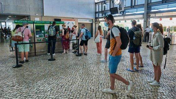 Nas últimas 24 horas foram registados713novos casosde Covid-19 em Portugal