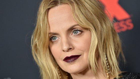 Na adolescência, a atriz entregou-se às drogas para lidar com a dor