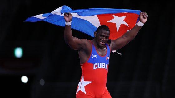 O cubano conquistou a medalha de ouro contra o georgiano Iakobi Kajaia