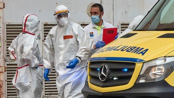 Combate à pandemia, recuperação de atividade não programada e cobertura de faltas de colegas justificam o aumento do número de horas extra
