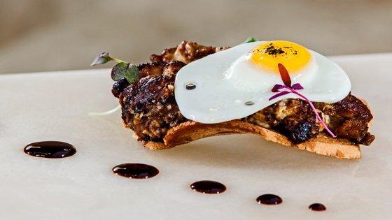 O cozinheiro Pedro Mendes está no restaurante Narcissus Fernandesii, do Marmòris Hotel desde novembro de 2013