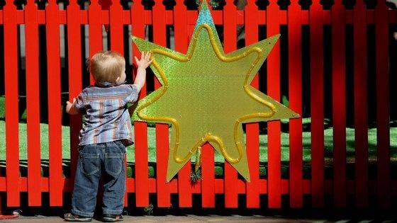 No mundo do trabalho, o sucesso depende também das colaborações que estabelecemos com os outros. Por isso, as crianças que têm empatia e consciência social serão também melhores colaboradores.