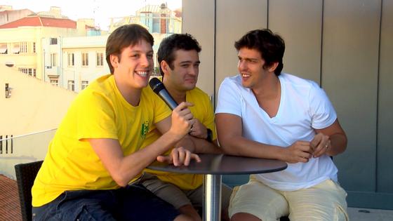 Fábio Porchat, Marcos Veras e Rafael Infante: o bom humor reinou em toda a entrevista