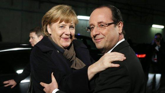David Cameron recebeu Jean-Claude Juncker em Londres na segunda-feira.