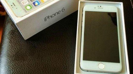 O ecrã é maior do que o do iPhone 5
