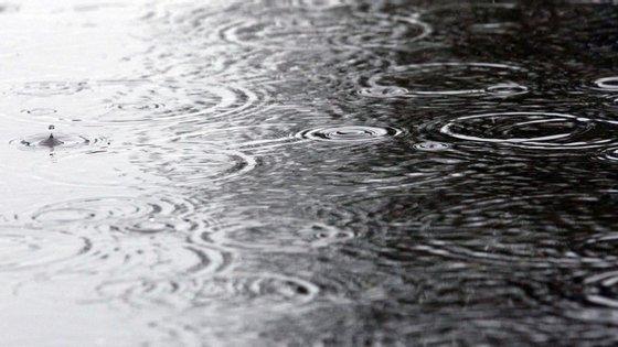 Prevê-se aguaceiros para o dia das legislativas