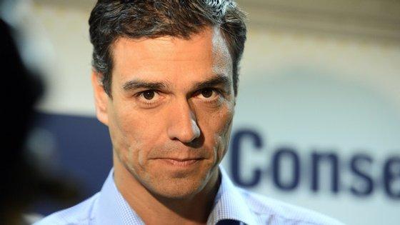 Pedro Sánchez está a correr Espanha de lés a lés para tentar ultimar acordos