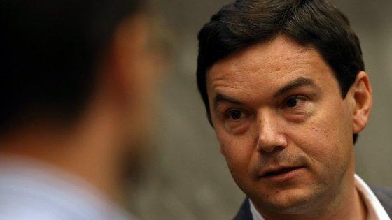 O economista Thomas Piketty assina documento que avisa a direita não deve conduzir sozinha o debate presidencial