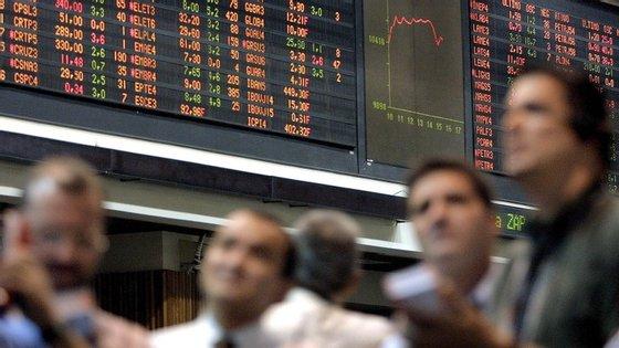 Procura total ascendeu a 14 mil milhões de euros, mais de duas vezes os 5.500 milhões colocados.