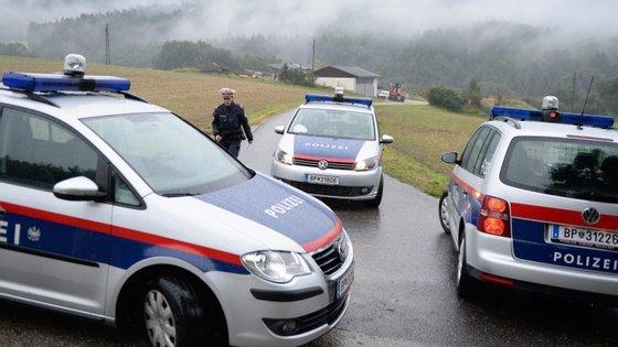Polícia austríaca gere operação gigante contra recrutadores jihadistas