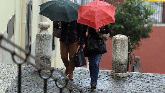 18 distritos de Portugal encontram-se sob aviso amarelo, devido à previsão de chuva persistente até à meia-noite de sexta-feira