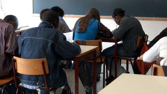 Os resultados representam em comparação com o ano letivo anterior, uma melhoria de cerca de um valor nas médias dos exames