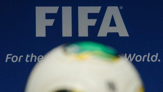 """A FIFA considerou """"inadmissível"""" a queixa pelo juiz que liderou a investigação às suspeitas de corrupção no processo de candidatura aos Mundiais de 2018, na Rússia, e de 2022, no Qatar"""