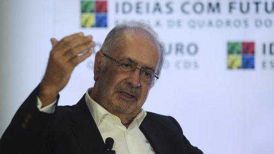 Mantém-se a indefinição em torno do candidato apoiado pelo PS a Belém: Jaime Gama afastou-se da corrida