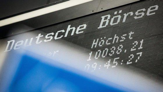 Bolsas europeias negoceiam em alta