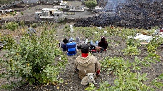 As erupções vulcânicas da Ilha do Fogo começaram a 23 de novembro
