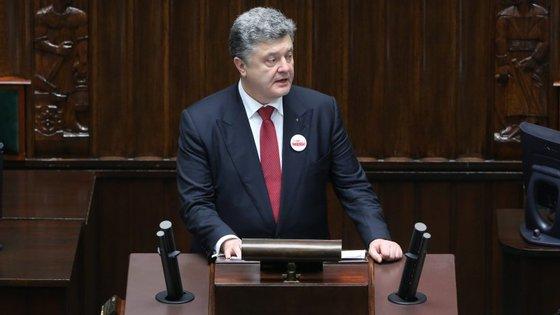A decisão de Poroshenko vai implicar a anulação do estatuto de não-alinhado